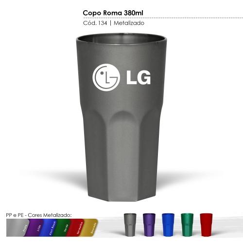 Copo de 380ml de plástico com certificado de atoxicidade e BPA Free.