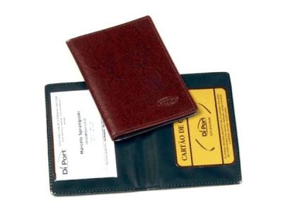 Porta Documento, em couro sintético, acabamento em costura, com gravação da logomarca em baixo relevo, SEM DIVISÓRIA.