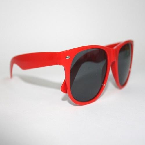 - Óculos de sol colorido