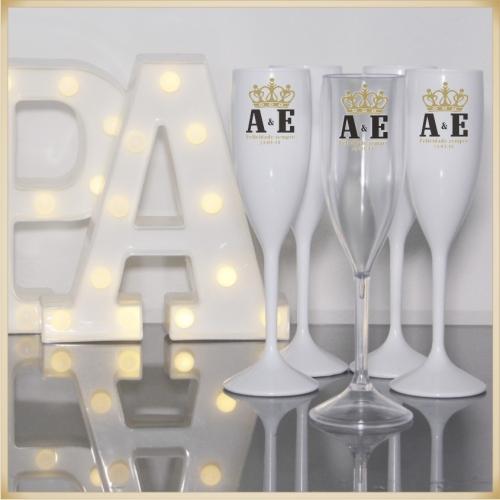 - Taça personalizada para festa de casamento brinde padrinhos e noivos