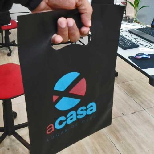 Embalagens personalizadas, embalagens descartáveis, embalagens-para-presente-atacado - SACOLA PERSONALIZADA ALÇA VAZADA 30X40