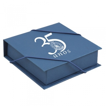 - Caixa cartonada