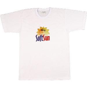 - Camiseta