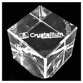 Cristal com gravação tridimensional