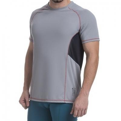 - Camiseta DryFit