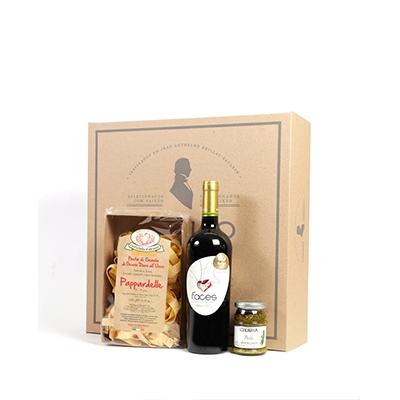 - Kit Gourmet com massa especial italiana, molho pesto e vinho tinto