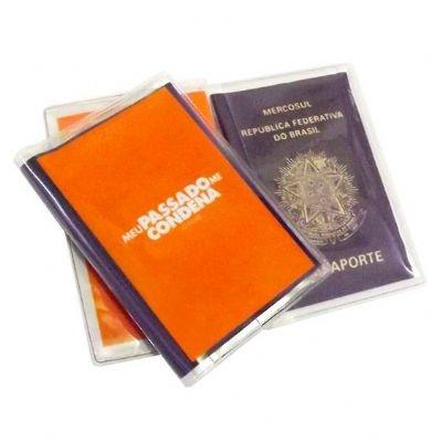 - Porta-Passaporte
